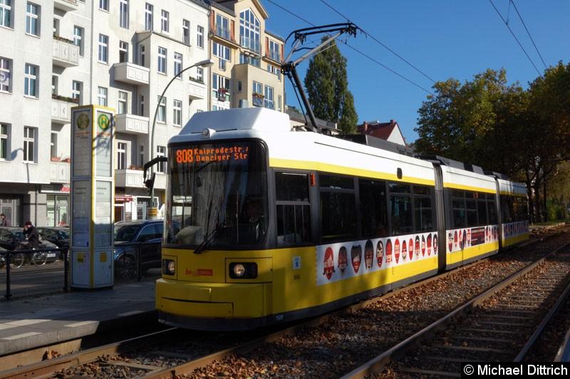 Bild: 1508 als Linie 808 an der Haltestelle Paul-Heyse-Str. Mit der Bezeichnung ist eigentlich die Linie M8 gemeint.