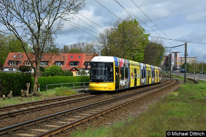 9013 als Linie M6 zwischen den Haltestellen Landsberger Allee/Rhinstr. und Dingelstädter Str.