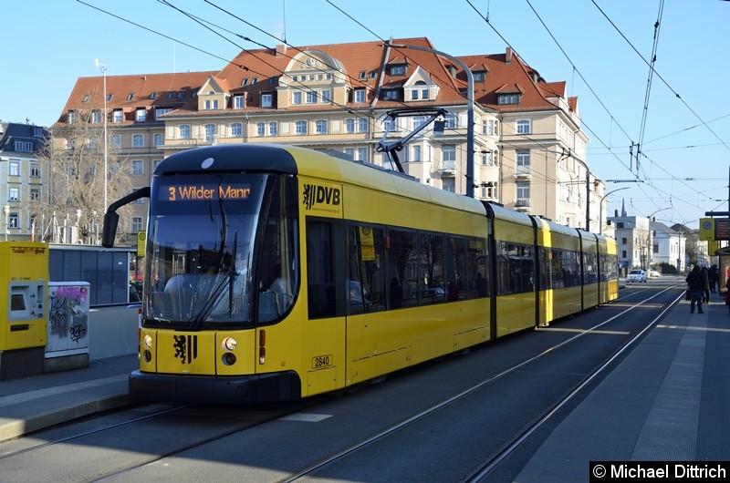 2840 als Linie 3 an der Haltestelle Neustadt.