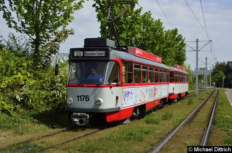 Sonderfahrt mit 1176 + 204: Kurz vor der Wendeschleife Soltauer Straße.