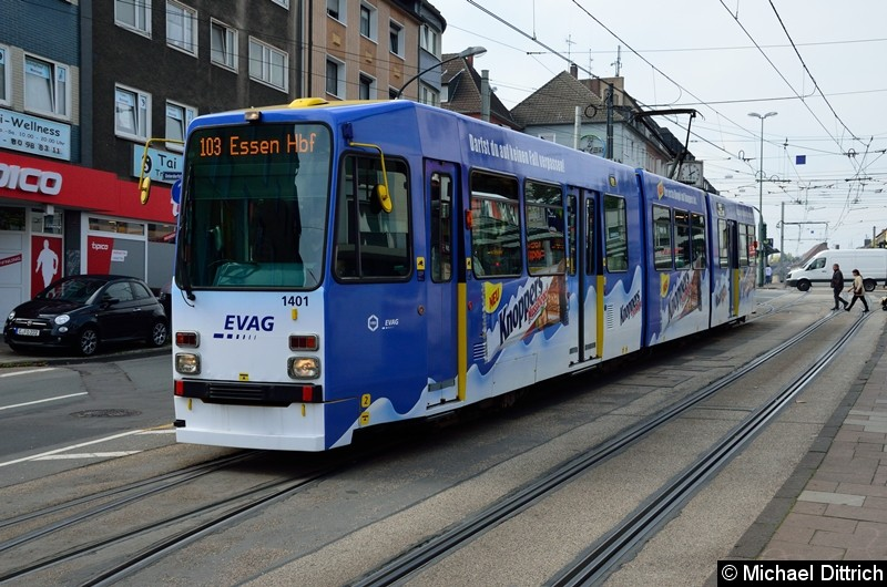 1401 als Linie 103 auf dem Weg nach Essen Hbf. in der Altendorfer Str., Höhe der Haltestelle Helenenstr.