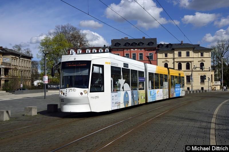 202 als Linie 1 auf dem Weg zur Endstelle Untermhaus zwischen den Haltestellen Hauptbahnhof und Otto Dix.