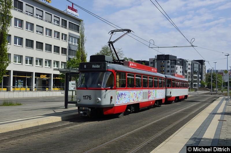 Sonderfahrt mit 1176 + 204: Haltestelle Glauchauer Platz.